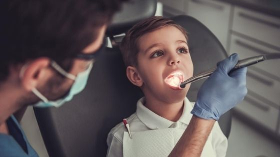 How to Know When to Take Your Kids to the Dentist