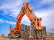 What are the Advantages of Hiring an Excavator