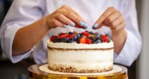 8 Cake Decorating Tips for Home Bakers